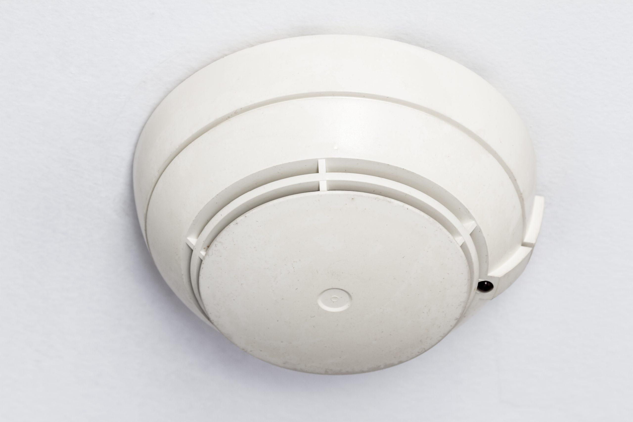 Pourquoi avoir un détecteur de fumée extérieur chez soi ?